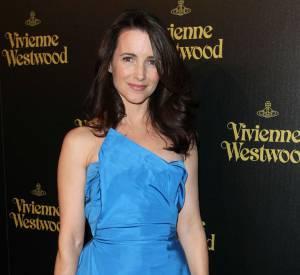 Kristin Davis adopte elle aussi le fameux plissé Westwood.