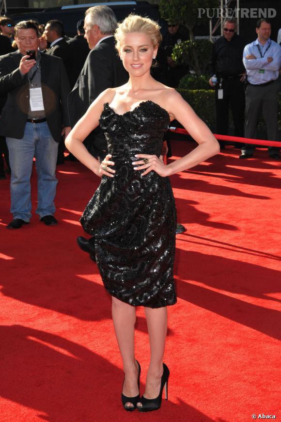 Amber Heard ou le drapé stratégique en Vivienne Westwood.
