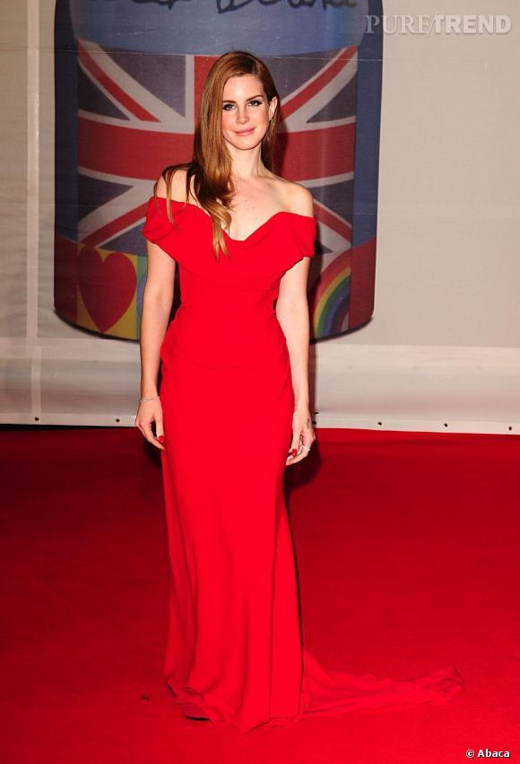 Lana Del Rey vampesque en Vivienne Westwood.