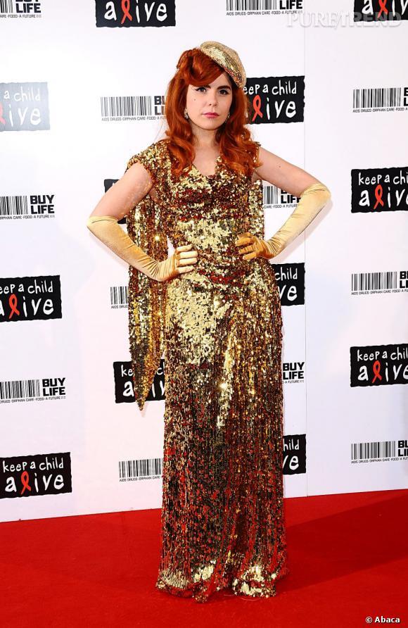 Paloma Faith très très glitter en Vivienne Westwood.