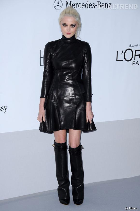 Sky Ferreira en Givenchy.