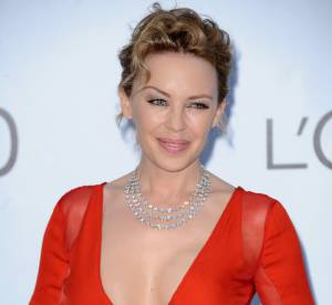 amfAR 2012 : Kylie Minogue, charmant décolleté !