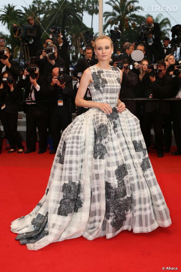 Diane Kruger a un petit air de Marie-Antoinette pour son dernier jour à Cannes...