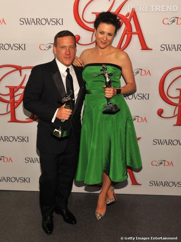 """Scott Schuman et Grance Doré sont venus récupérer leur """"Media Award""""."""