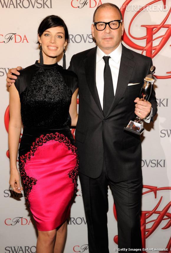 Reed Krakoff (avec Jessica Paré), créateur de l'année catégorie accessoires.