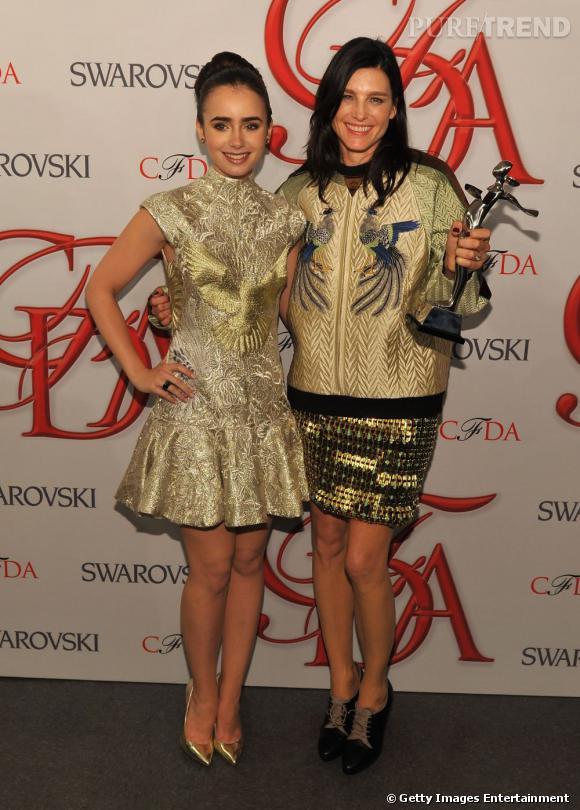 Tabitha Simmons (avec Lily Collins), lauréate du prix Swarovski catégorie accessoires.