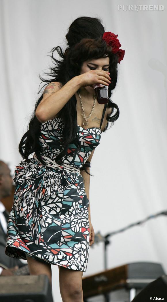 Amy Winehouse aimait un peu trop la binouse.