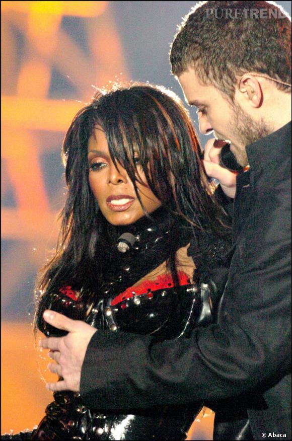 Janet Jackson se dévoile un peu trop en 2004.