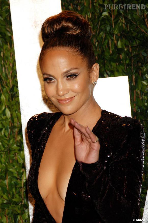 Jennifer Lopez, coucou et passe le bonjour à tes seins !