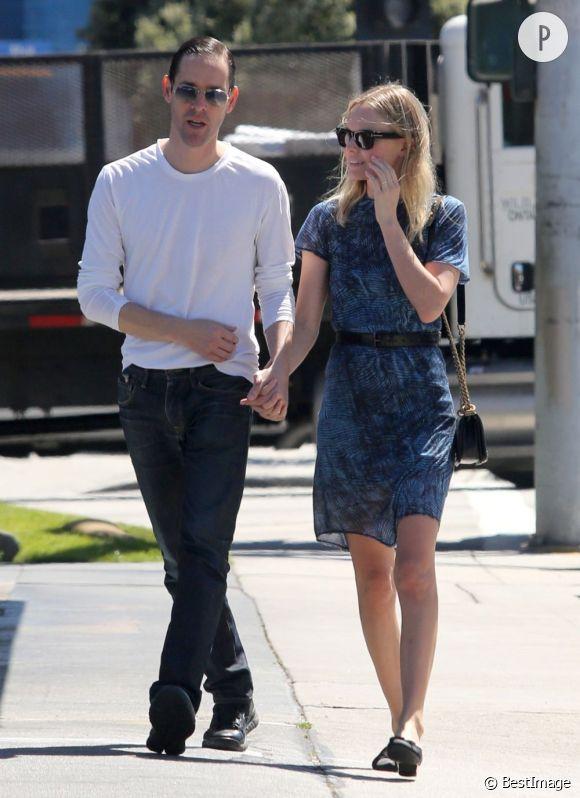 Kate Bosworth et son bofriend Michael Polish se promène après un déjeuner au restaurant
