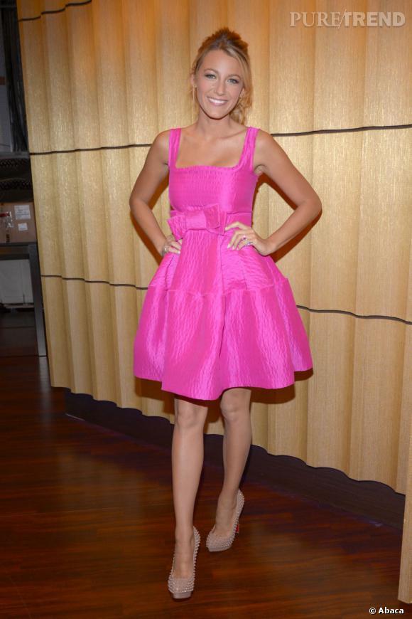 Blake Lively prend la pose dans les studios de la chaîne ABC à New York.