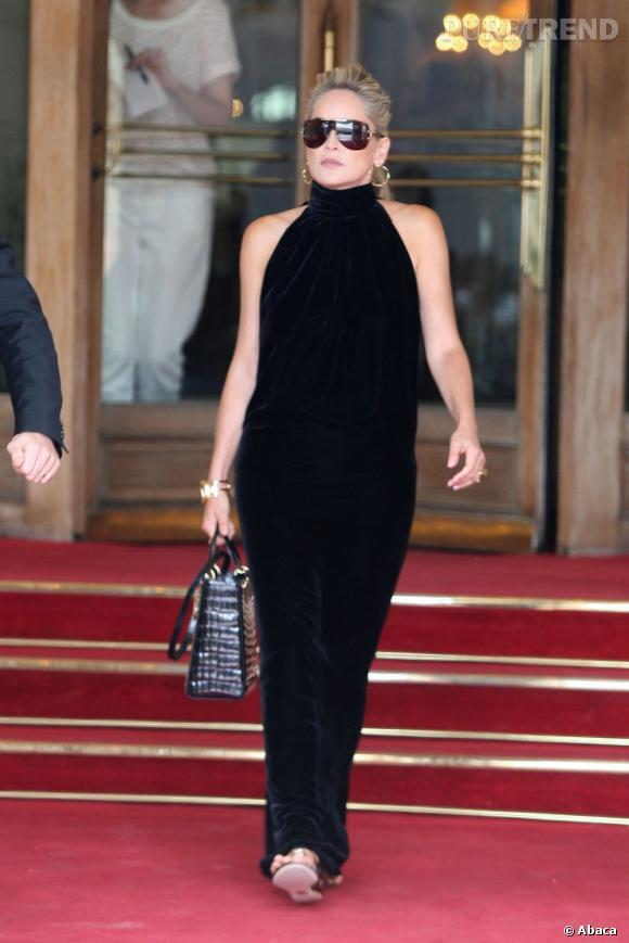 Sharon Stone est allée faire un tour vers la Tour Eiffel avec son fils.