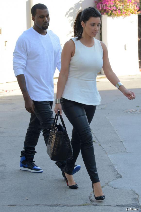 Kim Kardashian et son boyfriend Kanye West, parfaitement accordés en black and white.