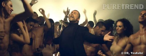 George Michael apparait évidemment aussi dans son clip, chantant au milieu d'une foule de danseurs à moitié nus