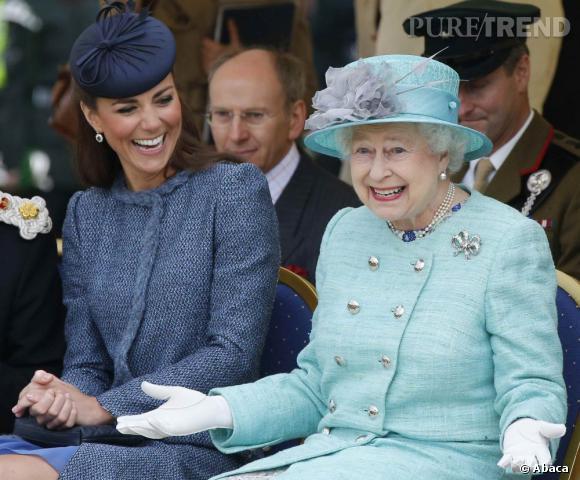 La reine Elizabeth fait dans la pitrerie pour amuser sa belle-fille.