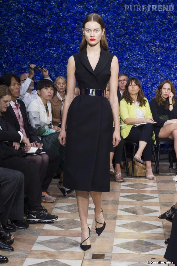 Les tailles sont XS et les longueurs sous le genou au défilé Dior Automne-Hiver 2012/2013.