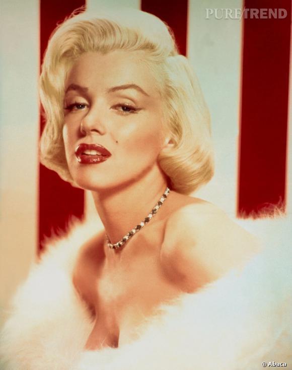 Un peu diva, Marilyn collectionnait les étoles en fourrure blanche.