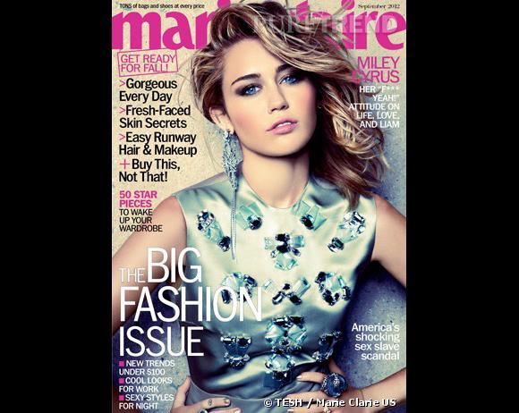 Miley Cyrus porte une robe Christian Dior Automne-Hiver 2012/2013 en couverture du numéro de septembre de Marie Claire, édition US.