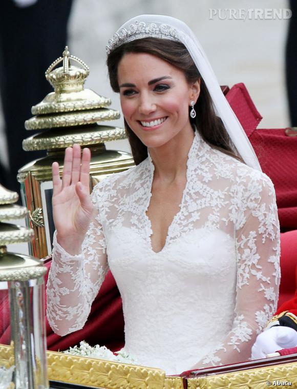 Kate middleton anne hathaway kate moss les plus jolies for Robe de mariage de kate moss tomber