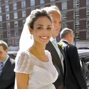Le jour de son mariage, la mannequin espagnole Ines Sastre est sublime. Le mérite en vient à la robe, bien-sûr, mais aussi à un beauty look parfaitement orchestré. Et le sourire ne gâche rien.