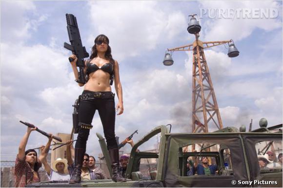 """Michelle Rodriguez dans """"Machete"""" ne fait pas les choses à moitié."""