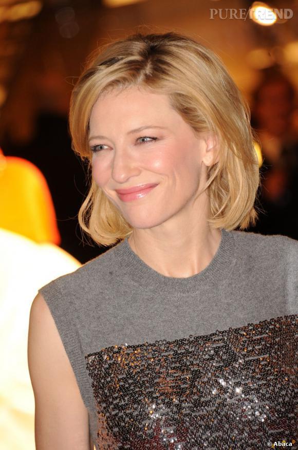 """Cate Blanchett à Vanity Fair :  """"Je n'ai rien fait, mais qui sait. Andrew a dit qu'il divorcerait si je faisais quoi que ce soit"""" a déclaré l'actrice au magazine """"Vanity Fair (...) Je ne monte pas sur une tribune pour dire aux femmes ce qu'elles devraient ou ne devraient pas faire. Je sais simplement ce qui fonctionne pour moi. Je serais trop effrayée par ce que ça signifie à long terme. Lorsqu'on regarde les femmes dans la vingtaine qui font ces choses, au bout du compte, tout ce qu'on voit, c'est le travail que ça demande. Ça ne me remplit pas d'admiration; ça me remplit de pitié""""."""