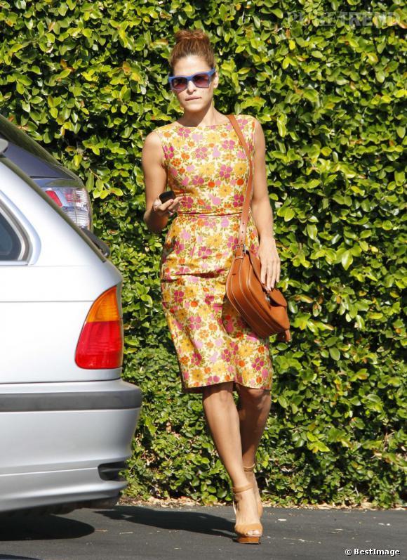 Eva Mendes ne quitte plus son Cartridge Bag signé Ralph Lauren Collection