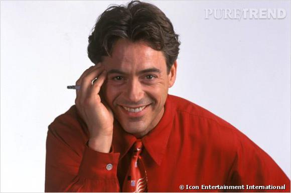 """Ah, la raie au milieu et le brushing ringard de Robert Downey Jr dans """"The Singing Detective"""". Une coiffure qui sent bon les années 90, et pourtant, le film date de 2003."""