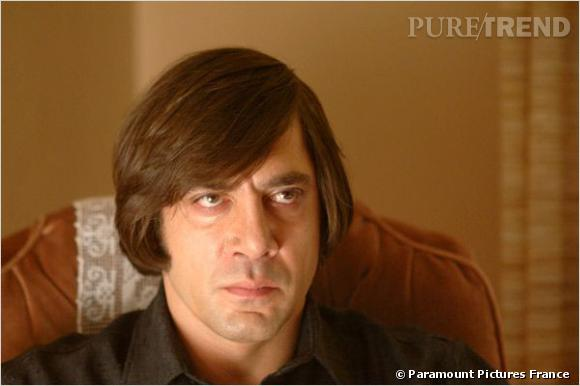 "A la ville, Javier Bardem affiche un charme viril. Dans ""No Country for Old Men"" en revanche, sa coupe de Playmobil ajoute une dose de folie à son rôle de vilain."