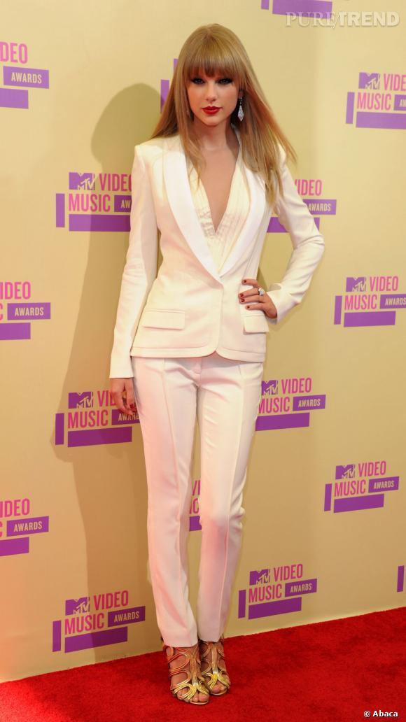 Si elle n'a rien gagné aux MTV Video Music Awards, Taylor bat des records au Billboard.