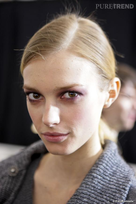 Sigrid Agren en 15 make-up Chez Carolina Herrera (saison automne-hiver 2010