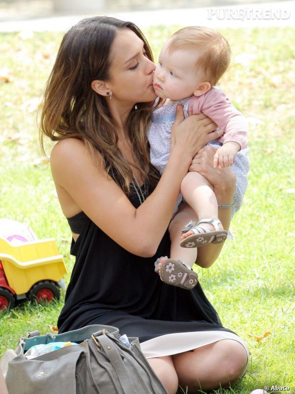 Jessica Alba, l'une des plus belles mamans d'Hollywood... toujours naturelle.