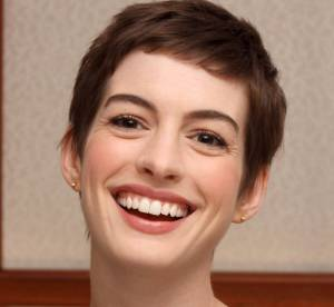 Emma Watson, Anne Hathaway... Quand la garçonne se fait sexy