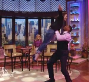 """Après avoir révélé son amour pour le film """"Dirty Dancing"""", Rachel Bilson se devait de tenter le fameux saut !"""