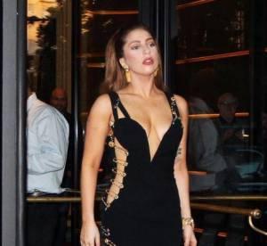 Lady Gaga VS Elizabeth Hurley : la robe ajourée Versace