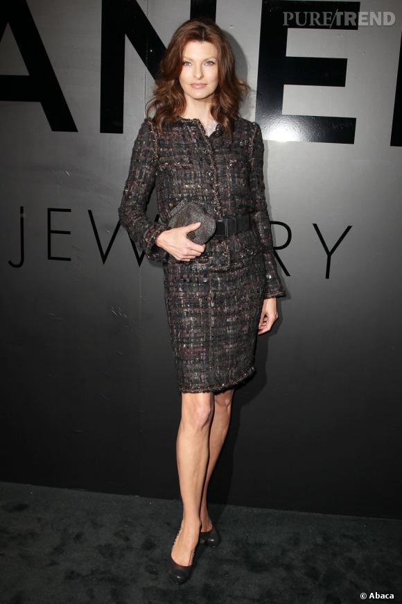 Linda Evangelista reste fidèle au tailleur Chanel - Puretrend 51bcf06454b