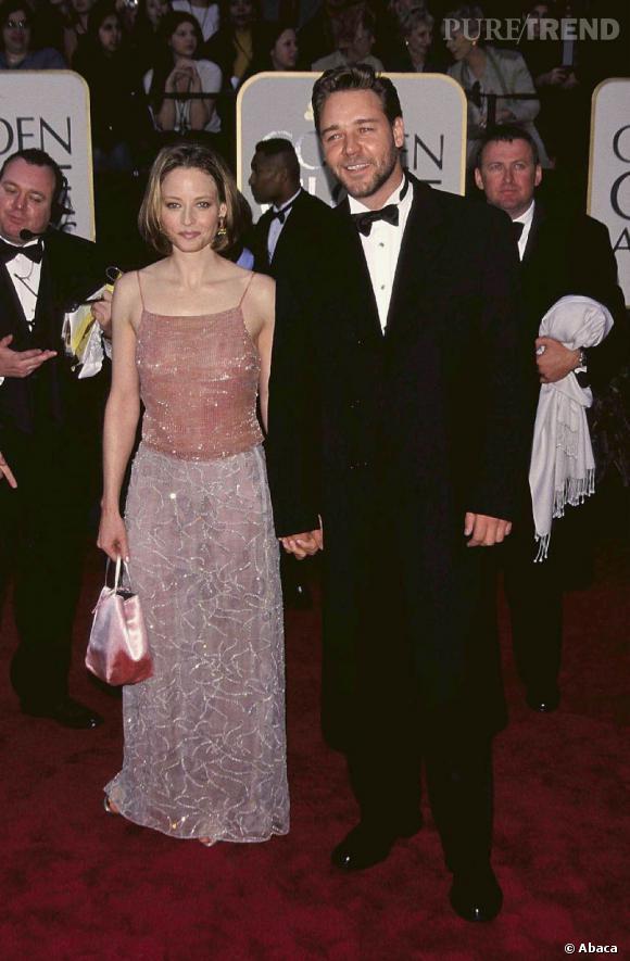 En 1999 Russell Crowe est en couple avec Jodie Foster.
