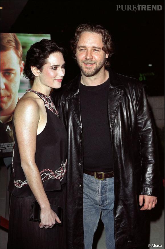2002 : Russell Crowe sort avec la belle Jennifer Connelly.