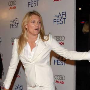 2001 : Russell Crowe est en couple avec Peta Wilson.