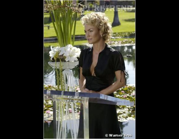 "La jolie blonde de ""Nip Tuck"", c'est Kelly Carlson..."
