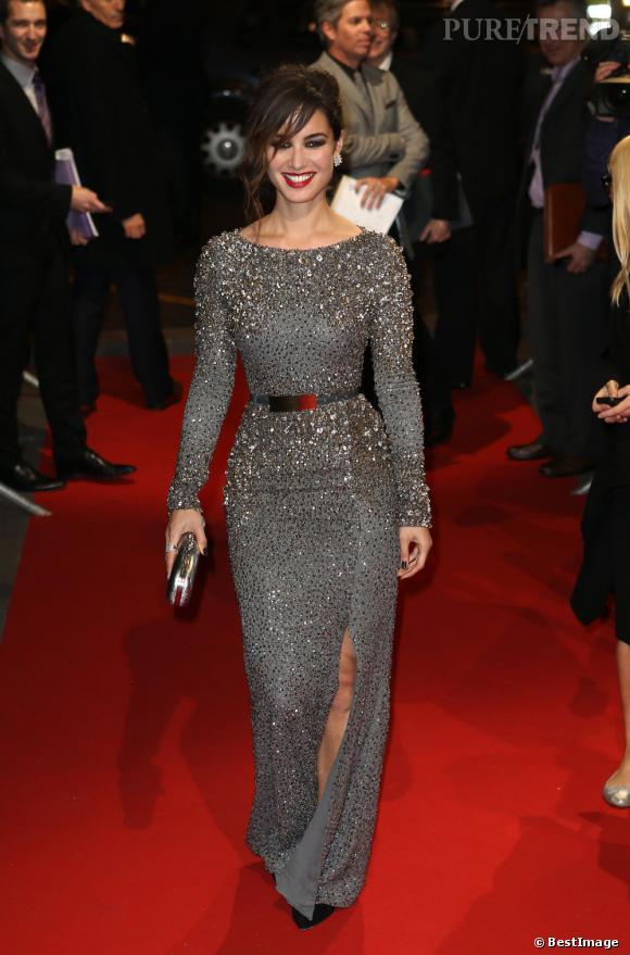 Bérénice Marlohe porte une robe Eliee Saab Automne-Hiver 2012/2013.