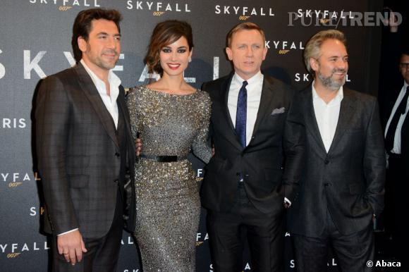 Bérénice Marlohe entourée de Javier Bardem, Daniel Craig et Sam Mendes.