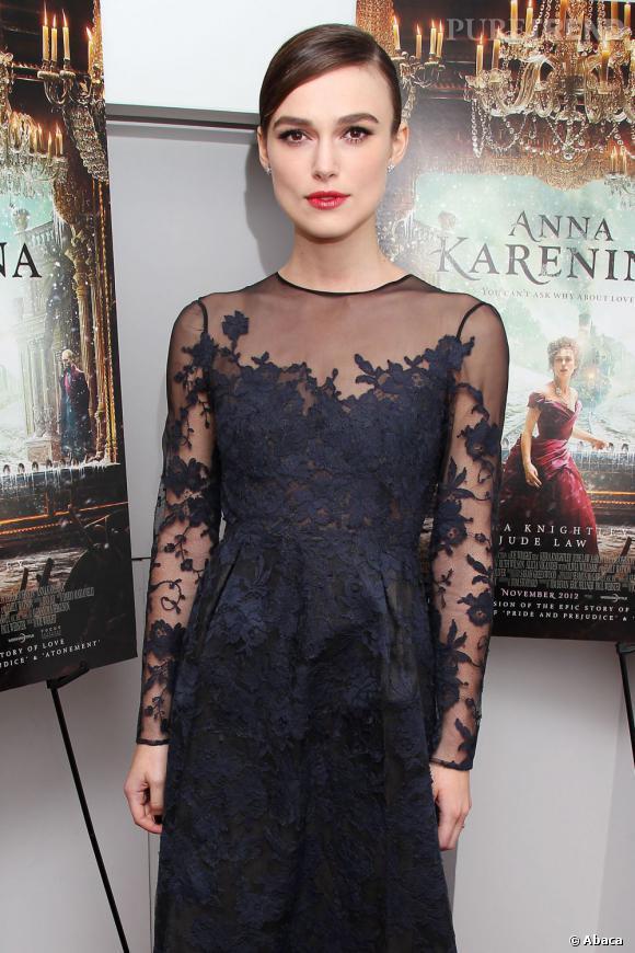 "Keira Knightley en Valentino pour la première de ""Anna Karenine""."