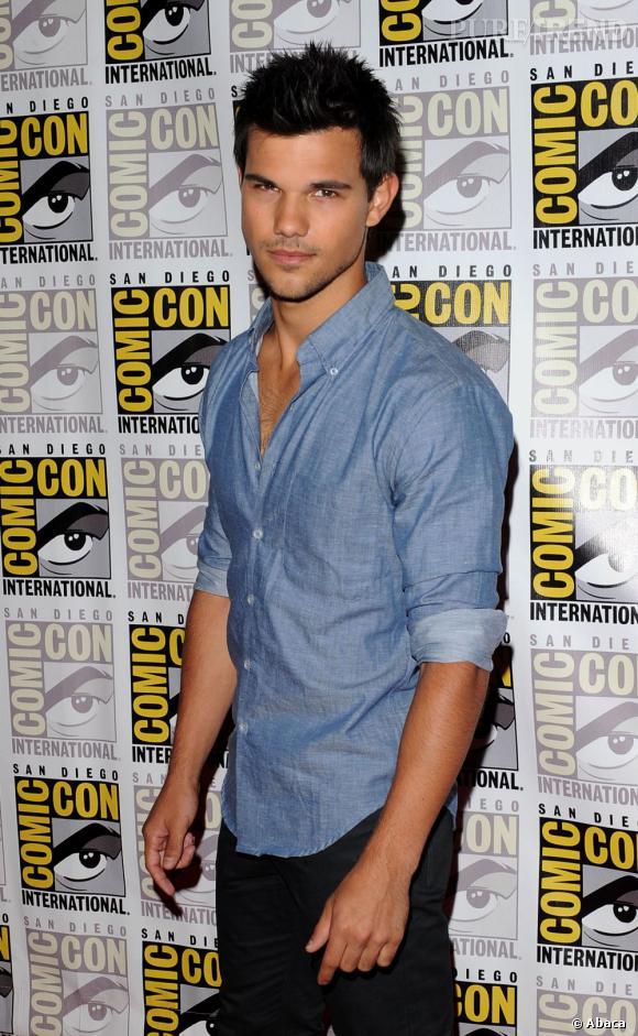 Taylor Lautner n'est pas que musclé, il est aussi romantique.