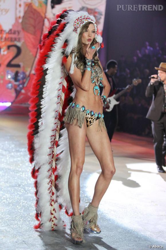 Karlie Kloss a beau être très sexy dans sa lingerie léopard, elle a offensé beaucoup d'Indiens d'Amérique.