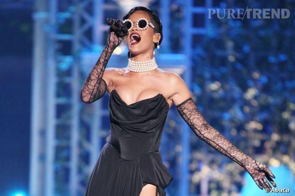Que nous réserve Rihanna pour son concert au Stade de France ? En véritable show girl, on imagine qu'elle a plus d'un tour dans son sac.