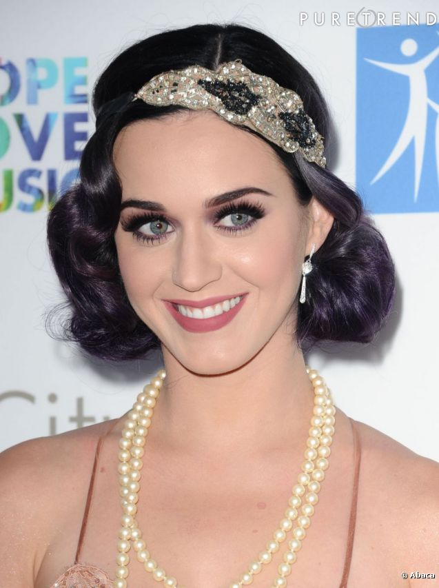 katy perry rend hommage aux ann es folles avec un look et. Black Bedroom Furniture Sets. Home Design Ideas