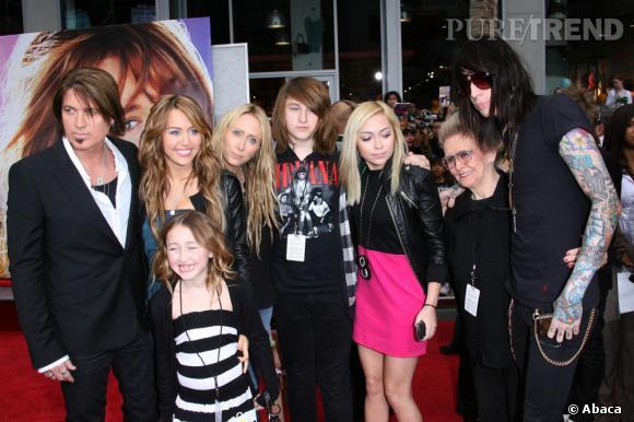 La famille Cyrus au complet ! Miley, Billy Ray, Noah, Braison, Brand, Tish et Trace.