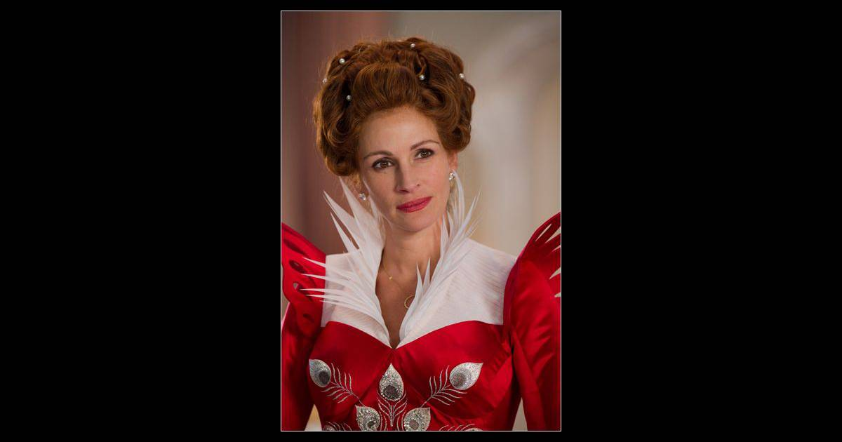 Julia roberts est elle aussi la belle m re de blanche for Miroir miroir blanche neige