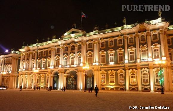 Noël féerique sous la neige de Saint-Pétersbourg